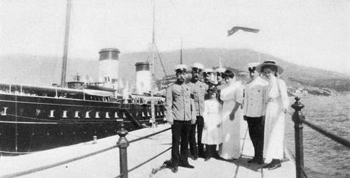 Tsar Nicholas II, Grand Duchesses Anastasia and Olga, Anna Vyrubova and Officers near of the Standart