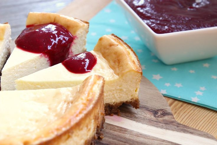 Citroen cheesecake met frisse frambozensaus