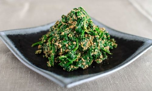 Spinach with seasame dressing