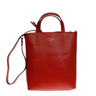 Milou Rouge #bagdesign #zurich #zürich #bags #bag #autumn #tasche #baggoals #shoes #bagsarelife #leather #lagarçonneshoes #lagarconneshoes #schultertasche #shoulderbag #designerbags #cool #shopper #shopperbag #shoppingbag #wildleder #leder #ledertasche #latherbag #switzerland #suisse #schweiz #svizzera #bern #basel #biel #geneve #red #rot #redbag