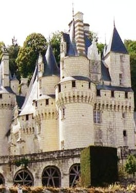 Her Dangerous Viscount opens in 1814, with a scene in one of the towers of Chateau du Soleil, where Natalya Beauvisage is writing a novel. This chateau first appeared in You & No Other (set in 1526) and was inspired by Chateau d'Usse, seen here.