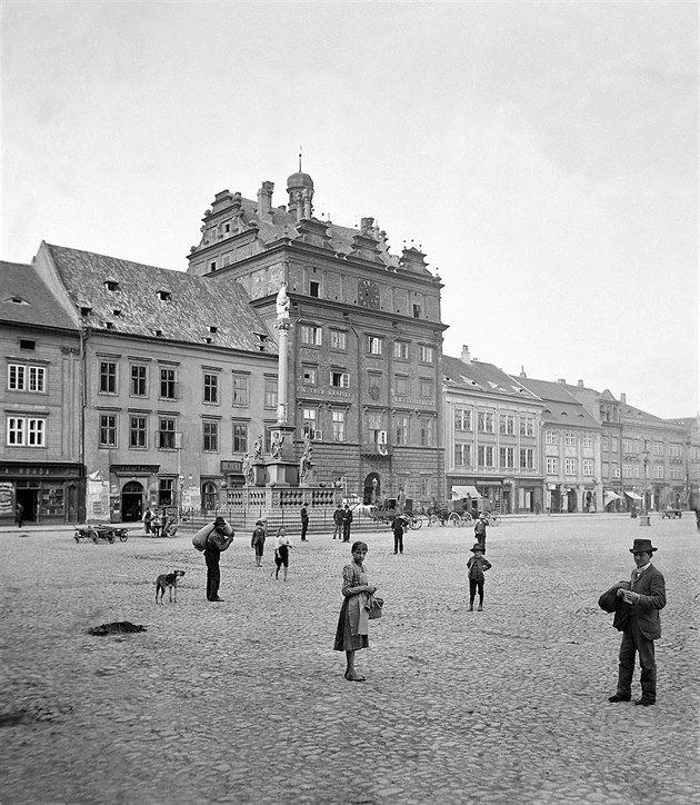 Plzeňské náměstí Republiky kolem roku 1890