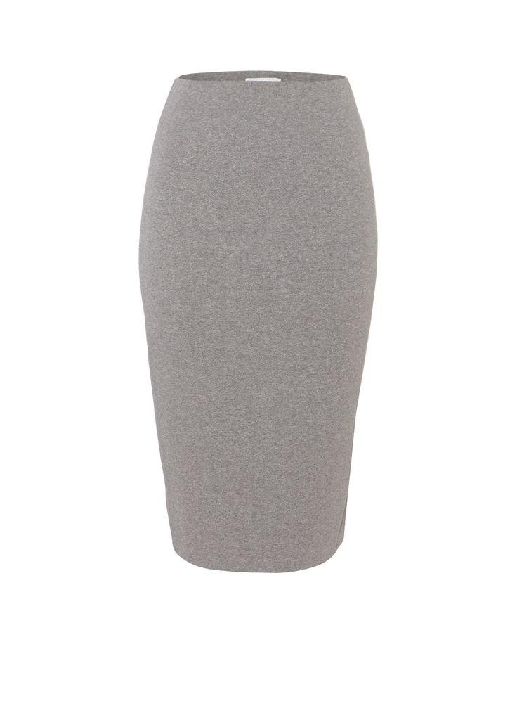 Sania kokerrok vanSamsøe & Samsøe, vervaardigd uit een soepelvallende katoenblend en uitgevoerd in een aansluitend model. Het grijze exemplaar is daarnaast voorzien van een elastische tailleband en split aan de achterzijde voor optimaal draagcomfort.