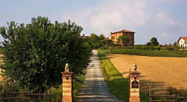 Tenuta Montemagno - #FarmStays - $175 - #Hotels #Italy #Montemagno http://www.justigo.co.za/hotels/italy/montemagno/tenuta-montemagno_147701.html