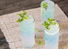 Just because summer is over, doesn't mean that the summertime drinks have to be! Check out Blue Raspberry Spiked Lemonade.
