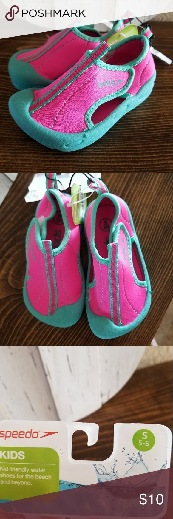 Toddler Speedo water shoes Size 5/6  Wide strape opening for easy on & off Breathable side panels on side of the shoe Speedo Shoes Water Shoes