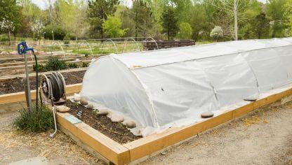 M s de 1000 ideas sobre peque o invernadero en pinterest for Como instalar un vivero