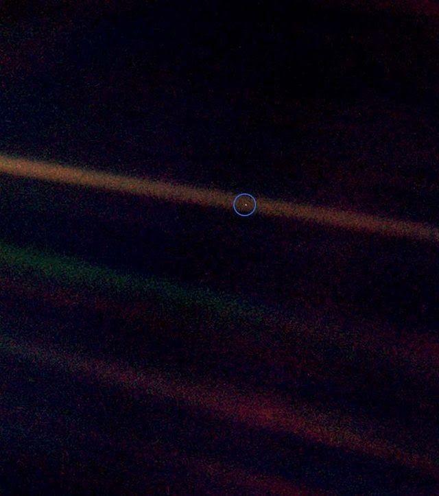 A pale blue dot - Un point bleu pâle, de Carl Sagan, en VOST ~ Sweet Random Science