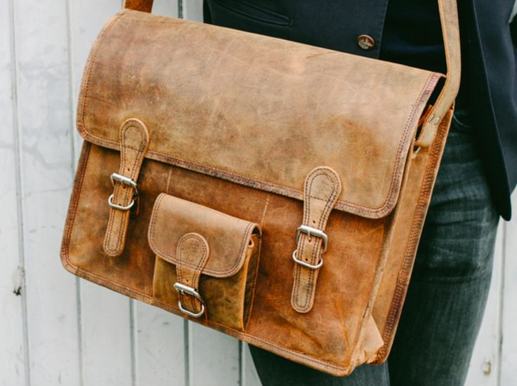 Our large vintage satchel bag with pocket is a stylish, sturdy, multi-purpose leather bag with a perfectly aged leather exterior, inspired by the classic iconic old brown leather school satchel. #leatherbag #vintage #giftideas