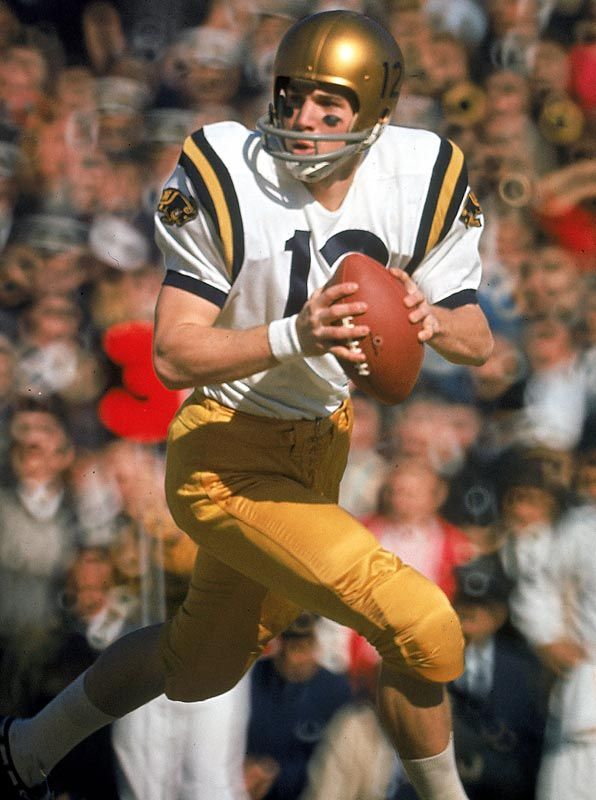 1963 Winner Junior Quarterback Roger Staubach Navy Inducted Into Pro Football Hall Of Fame From Cincinnati College Navy Football Football College Football