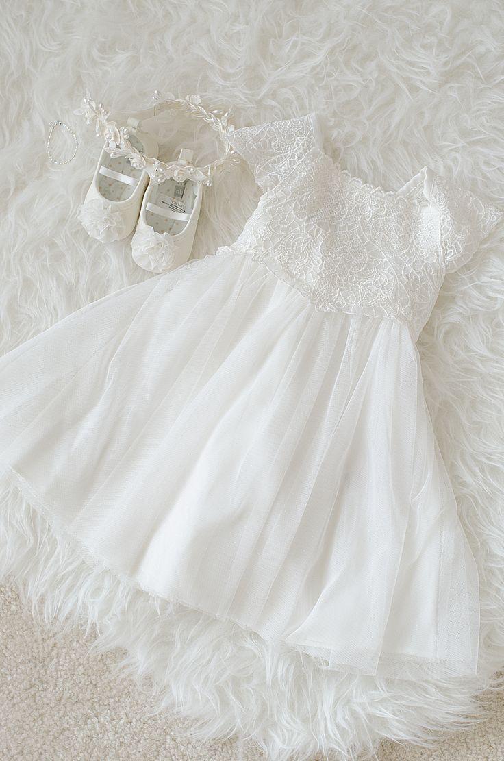 "Shades of White & Crème >>> Click the link to visit my friend's group board ""✿⊱╮Shades of White ~ La Belle Couleur Blanche et Crème ✿⊱╮"": http://www.pinterest.com/VoyageVisuelle/shades-of-white-~-la-belle-couleur-blanche-et-cr%C3%A8m/"
