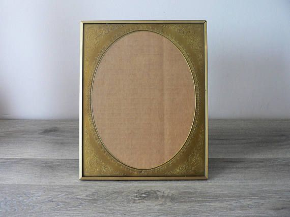 8 x 10 Vintage Brass Photo Frame with An Embossed Gold Oval