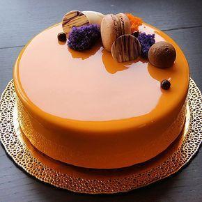 Торт под праздник или праздник под торт) Внутри :Манго/маракуйя мусс, крем крем-брюле ,желе с манго ,хрустящий слой с вафлей и шоколадом и бисквит с марципаном !!! Хорошего вечера ...
