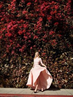 Saint-Tropez, hartje zomer, bloementuinen én rode lopers: we krijgen er spontaan zin in bij het zien van ...