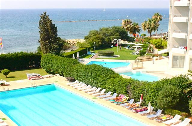 2 Bedroom Apartment in Limassol Town to rent from £400 pw. With balcony/terrace, air con and TV.