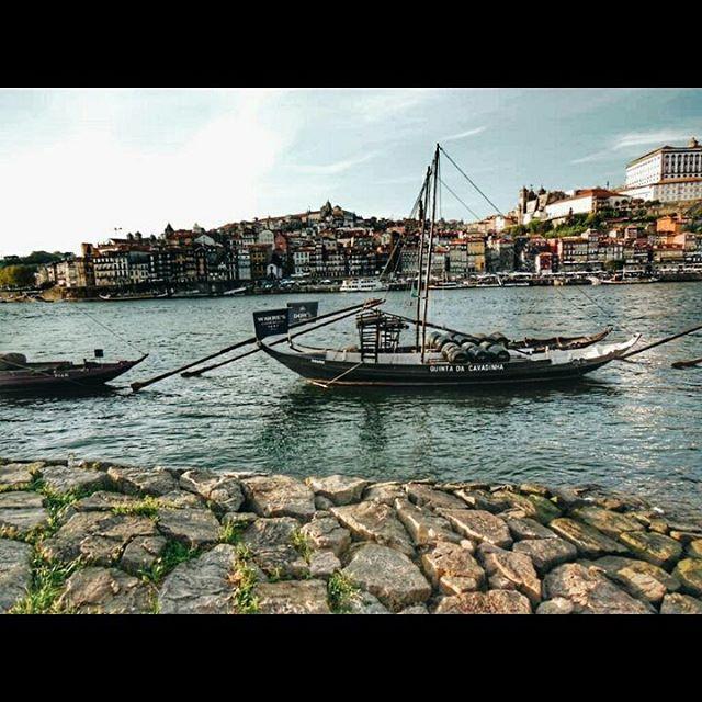 Que bonita es #Oporto. Descubre #Portugal http://bit.ly/1YumHsK