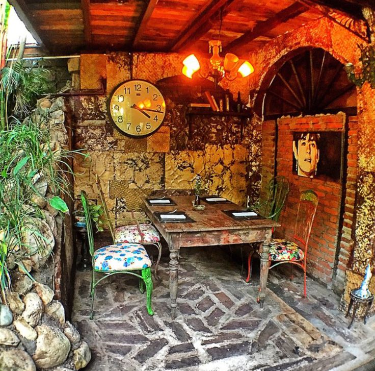 #bali #restaurant #bar #lunch #dinner #vintage #antique #deco #lafavela #lafavelabali