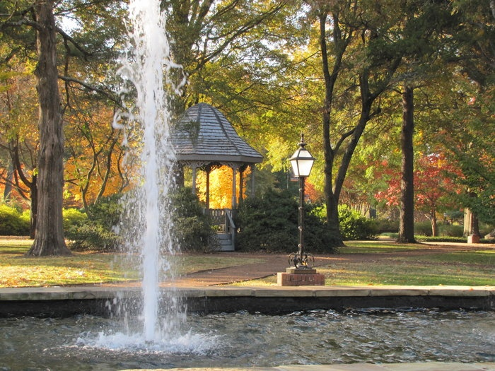 Fall Glow / Hendrix College Campus, Conway, Arkansas: Photo by Michael Reese