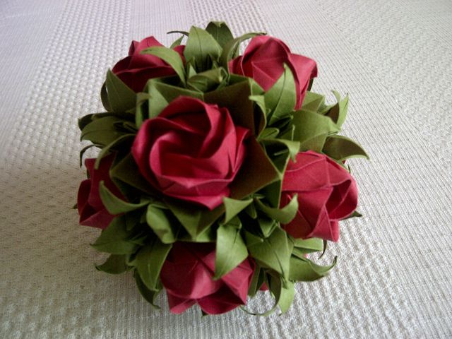 Origami Rose Bal by Judith Laing. Link no longer works. Keep for design colors.
