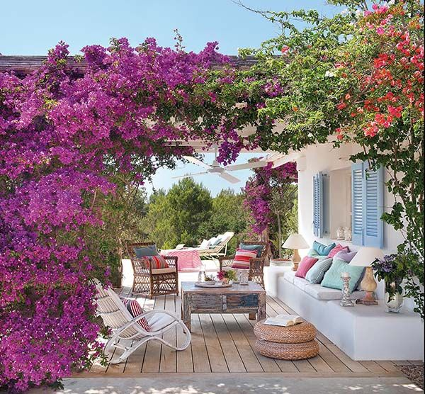 This charming crisp white home caters to outdoor living, the perfect place to escape and unwind on the island of Formentera, in the Mediterranean Sea.