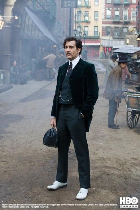 """Clive Owen as Thackery, MD in amazing series by Soderbergh, """"The Knick""""... Furthermore, Cliff Martinez (""""Drive"""" OST) signed the hypnotic score..."""