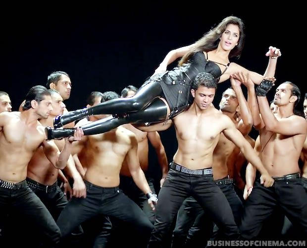 Dhoom3Song-008