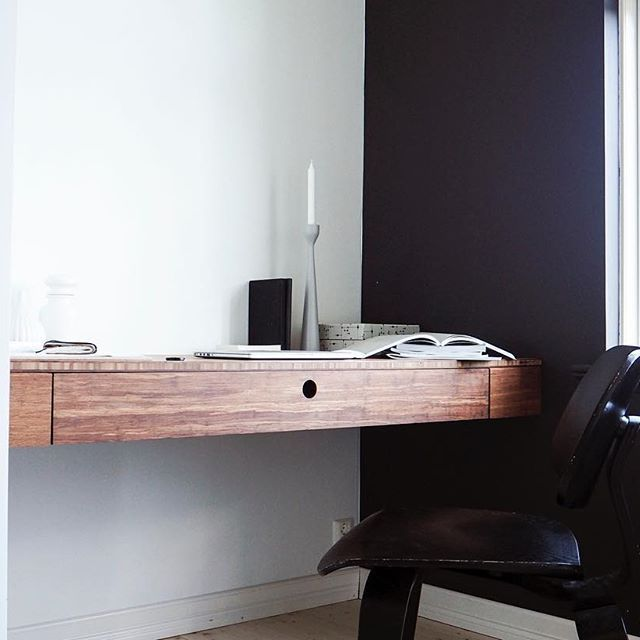 Starting my day here | quite a few emails and other things to catch up on. #askogeng #bamboo #desk #sustainabledesign