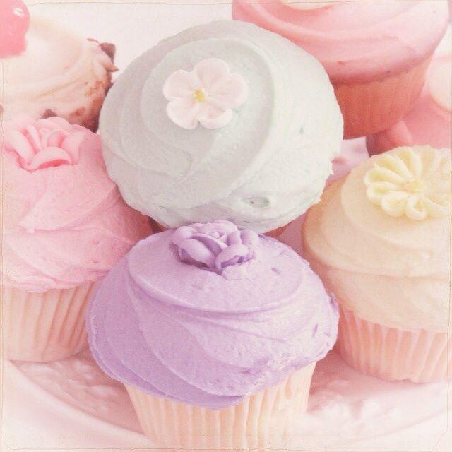 Pastel • cupcakes • frosting • yum • cake • flower • dessert • birthday • party • purple ♡@lozzyprincess♡