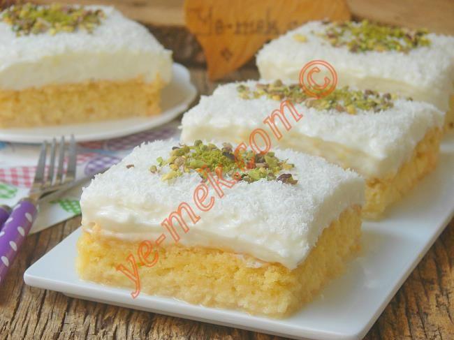 İsmini bembeyaz oluşundan alan, yumuşacık keki ve üzerinde nefis bir muhallebisi olan bir tatlı tarifi...