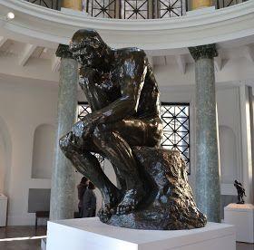 Vous l'avez en tête ce penseur de Rodin?       Ok, alors, sa main appuyait sur son menton ou sur son front ?!          Il semble que Rodin ...