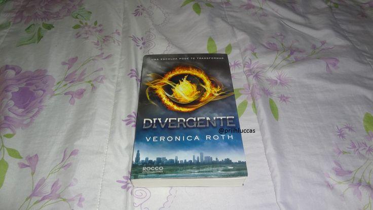 Confere lá no blog resenha do livro que eu to amando @editora rocco #facção #divergente #distopia #inlove