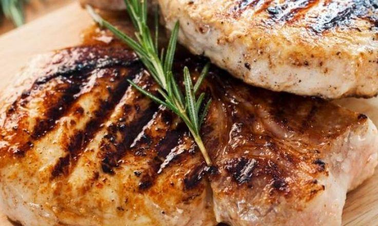 Côtelettes de porc...glacées à la pêche et à la moutarde