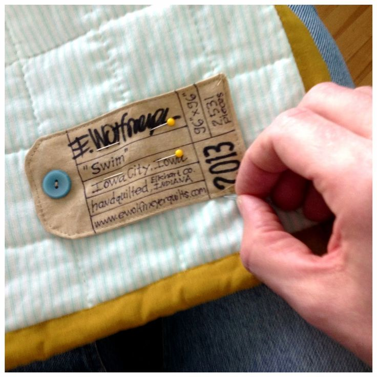Tag Quilt Label Idea + details about what to include on your labels. #quilting