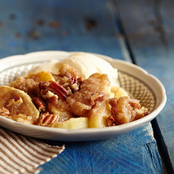 Easy Apple Crisp from Crisco®