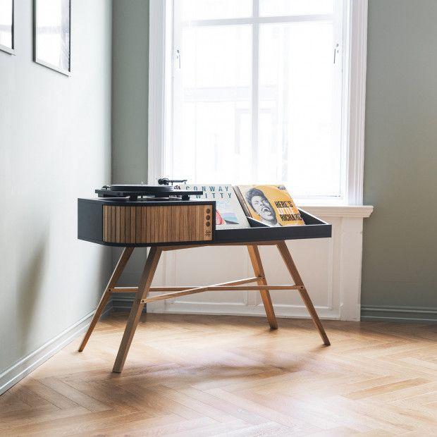 Vinyl Table Console Avec Platine Et Rangement Pour Les Vinyles Par Hrdl Journal Du Design Mobilier De Salon Meuble Vinyle Collection De Disques
