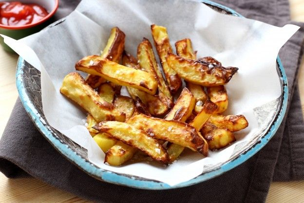 Receita passo a passo: como fazer fritas no forno que parecem verdadeiras fritas