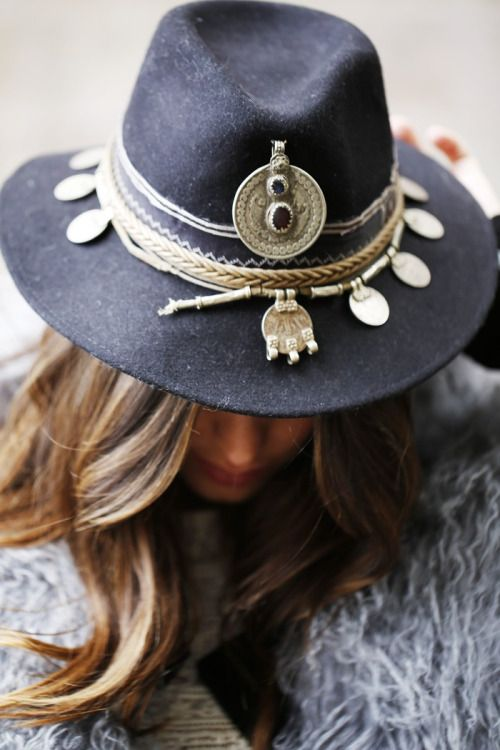 diy hat customizatio , turn a classic to an unique boho-gypsy style hat