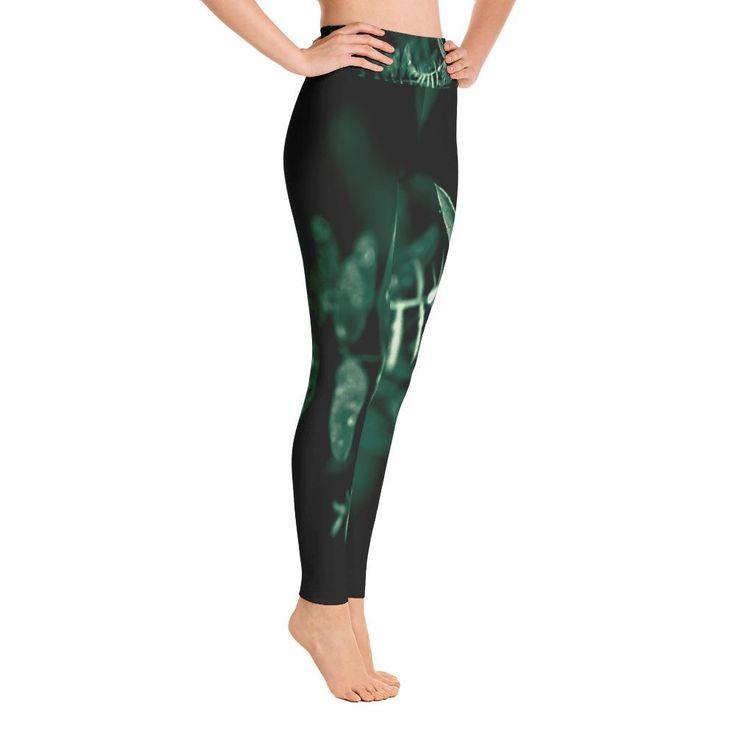 Green Garland Yoga Leggings