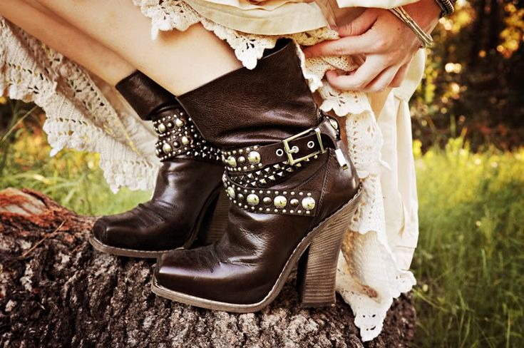 lovely boots on sea of shoes: Shoes, Boots Boots, Cowboy Boots, Ankle Boots, Harness Cowboy, Barbara Bui, Black Is Black, Walk
