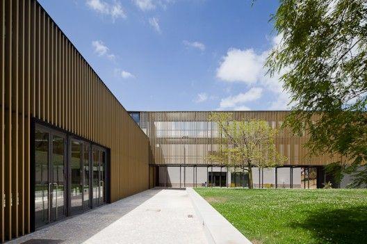 Architects: Atelier Central Location: Lisbon, Portugal Electrical Installations: Lmsa | Eng.º Pedro Gonçalves, Eng.ª Sílvie Cruz, Eng.º João Branco,