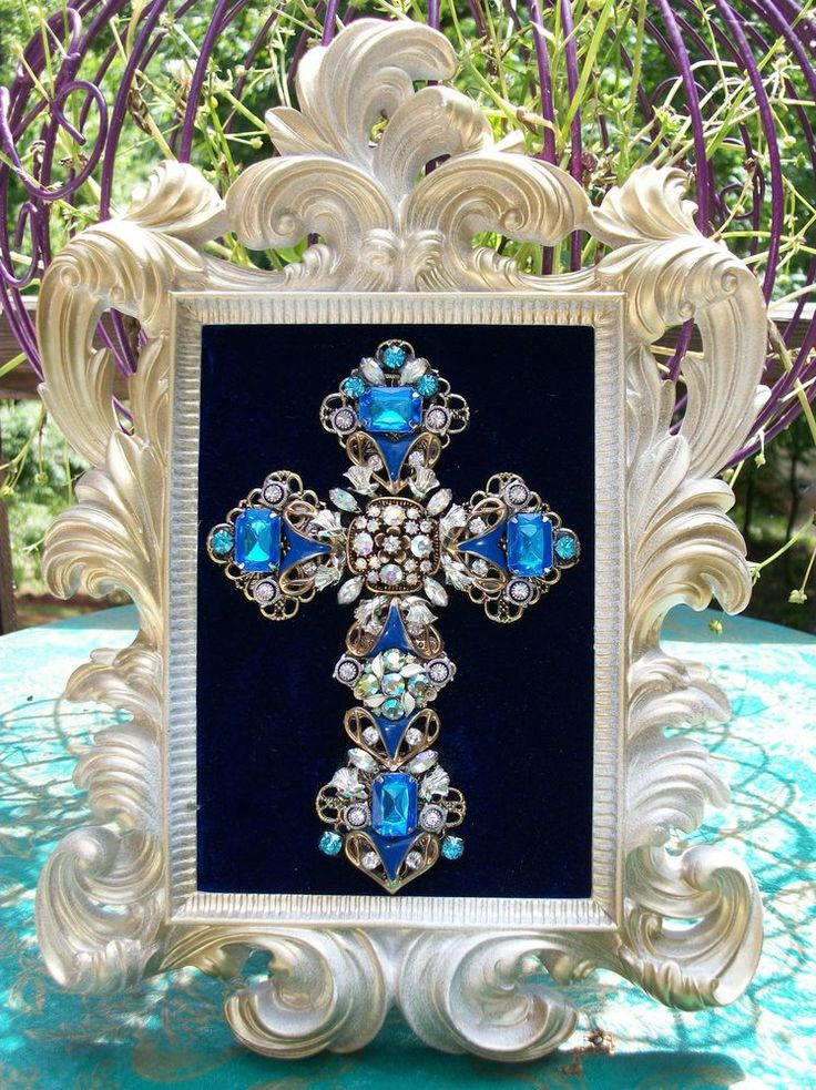 Vintage Rhinestone Jewelry Christmas Tree Framed Cross Art - Lots of Sparkle #CostumeJewelry