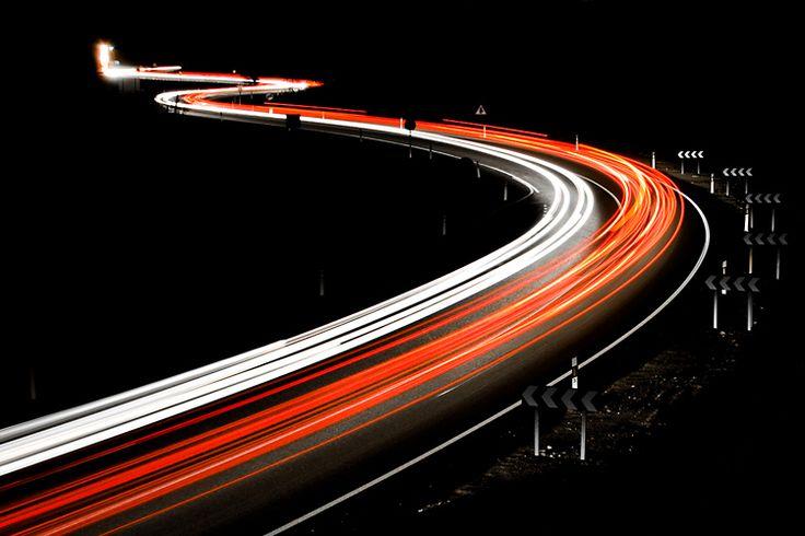 Tras dominar la técnicas de desplazamiento, frenada y giro básicas llega el momento de aprender otras más avanzadas. Comenzamos con las Técnicas de Giro Avanzadas. photo by: Oleg Zaytsev http://www.flickr.com/photos/colleague/4126364972