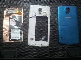 We have an assortment of extra parts for portable screens significant brands like samsung, iphone screens, in addition to a wide range and assortment of batteries Sony, LG batteries, every one of our boats from Spain. http://www.thephoneshop.es/Seccion~x~Repuestos-