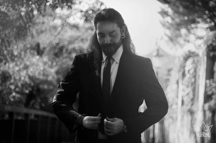 Foto: @lady_mobscene.official  #viking #elegance #redhead #longhairedman #beard #beardedman #nordic #hairstyle #smile #metalhead #epic #sako #cravat #piercing #tunnel #industrial #blackandwhite #nitra #slovakia #theslovakianviking
