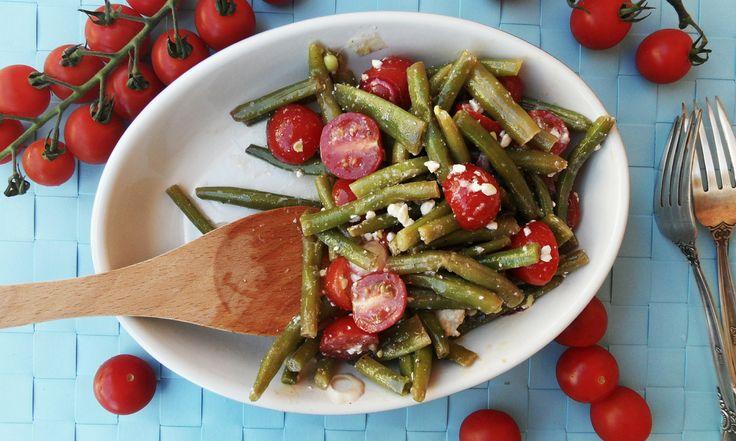 Салат из зеленой стручковой фасоли с помидорами черри