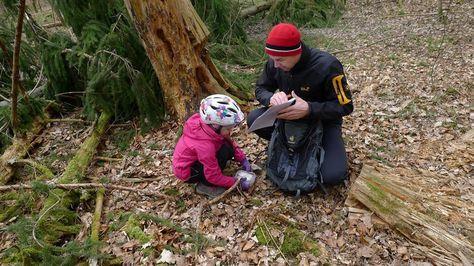 Hier findest du alles zum Thema Geocaching mit Kindern und eine Karte mit über 300 Kindercaches!