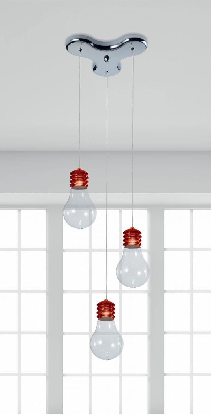 Lampa wisząca Zuma Line Bulbo w postaci ozdobnych, nagich żarówek z pewnością przypadnie do gustu osobom ceniących sobie niebanalne rozwiązania. Dzięki prostej konstrukcji będzie pasować do każdego wnętrza zastępując tradycyjne lampy.