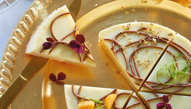 Denne smukke limekage vil helt sikkert både imponerer øjne og smagsløg! Og hvorfor ikke starte det nye år, med en drøm af en kage?
