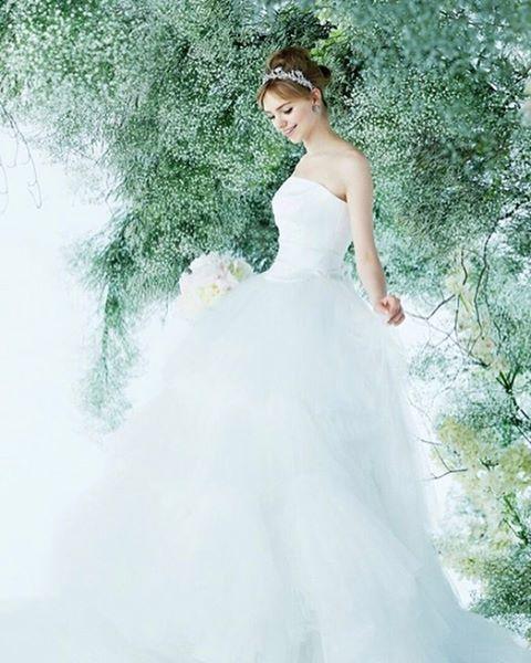 @novaresewedding からレーストップスとチュールがトレンド感満載のドレスをご紹介  程よいボリュームのプリンセスラインなので可愛すぎないのも魅力です  ご試着予約ご相談は.  @beautybride_weddingdress 0120-511-530 トップページのURLからもお問合せ頂けます   BeautyBrideを通じてドレスを予約するとお得にレンタルできる特典ございます  #ノバレーゼ #ビューティーブライド#プレ花嫁 #日本中のプレ花嫁さんと繋がりたい #カラードレス #お色直し #ドレス試着 #ドレスレポ #カラードレス迷子 #ちー0423 #ちーむ0521 #ちーむ0513 #ちーむ0503 #ちーむ0527 #ちーむ0506 #ちーむ0528 #ちーむ0618 #ちーむ0610 #ちーむ0603 #ちーむ0624 #ちーむ0604 #ちーむ0730 #ちーむ0717 #ちーむ0715 #ちーむ0918 #ちーむ0909 #2017夏婚 #2017秋婚