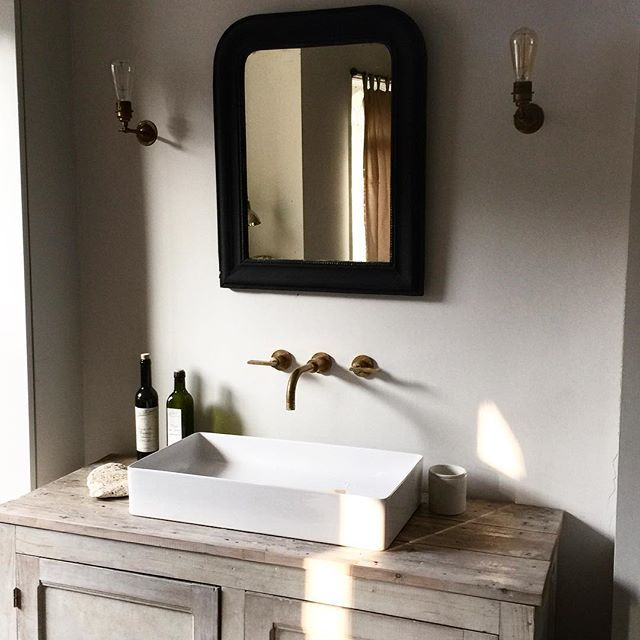 5 Gorgeous Scandinavian Bathroom Ideas: Time To Start The Day #morninglight #springisontheway